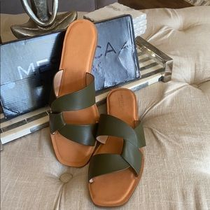 Messeca New York Tyla slide. New, Never worn.